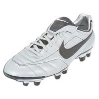 nike air legend soccer shoes
